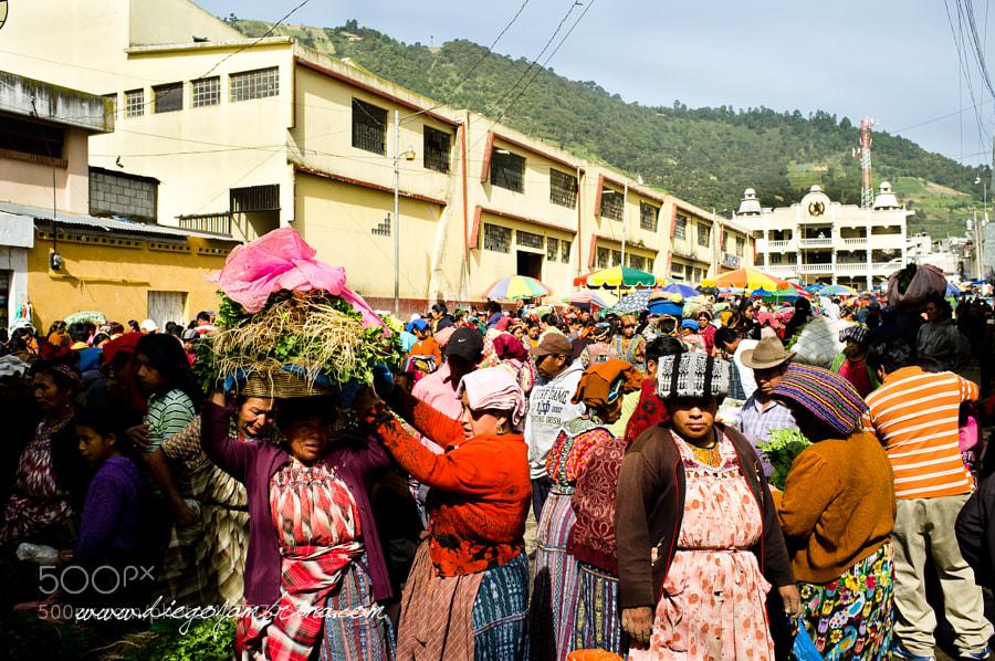 Mercado de frutas y verduras de Almolonga by Diego Jambrina on 500px.com