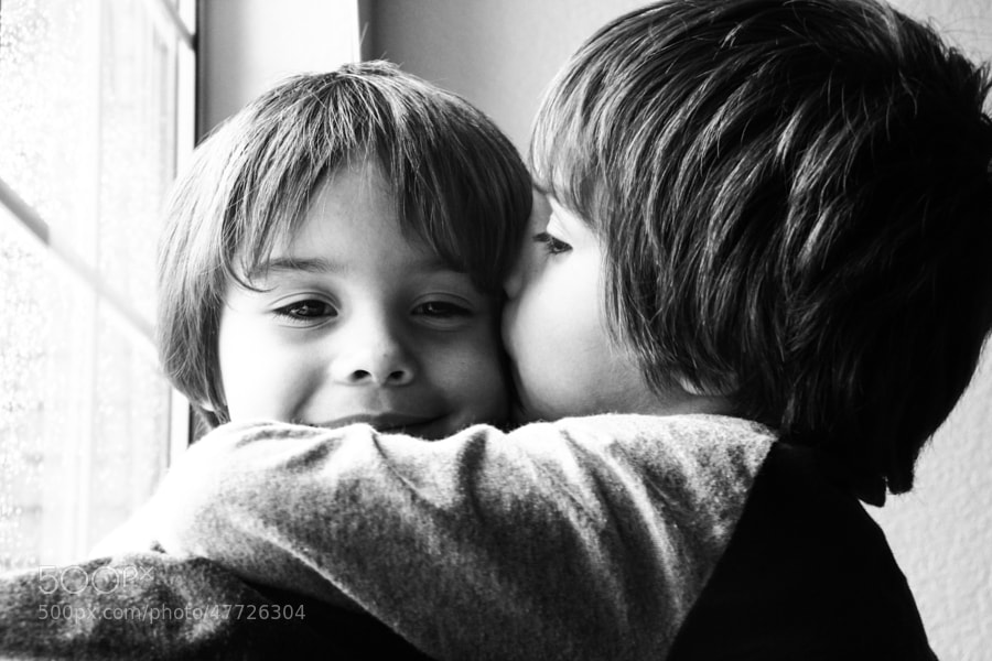 Photograph Twin love by Andres Oliver on 500px
