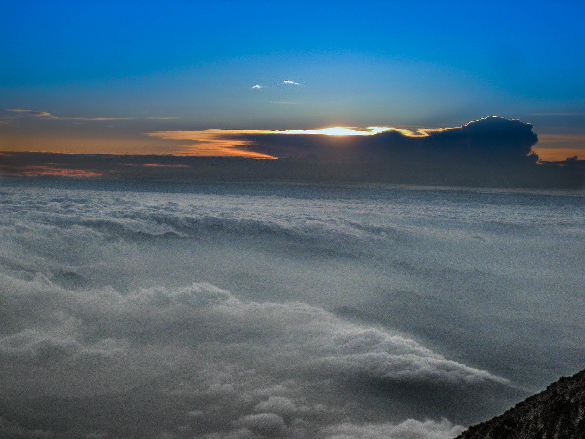 Photograph On top of Mt. Fuji by Jersey Joe on 500px