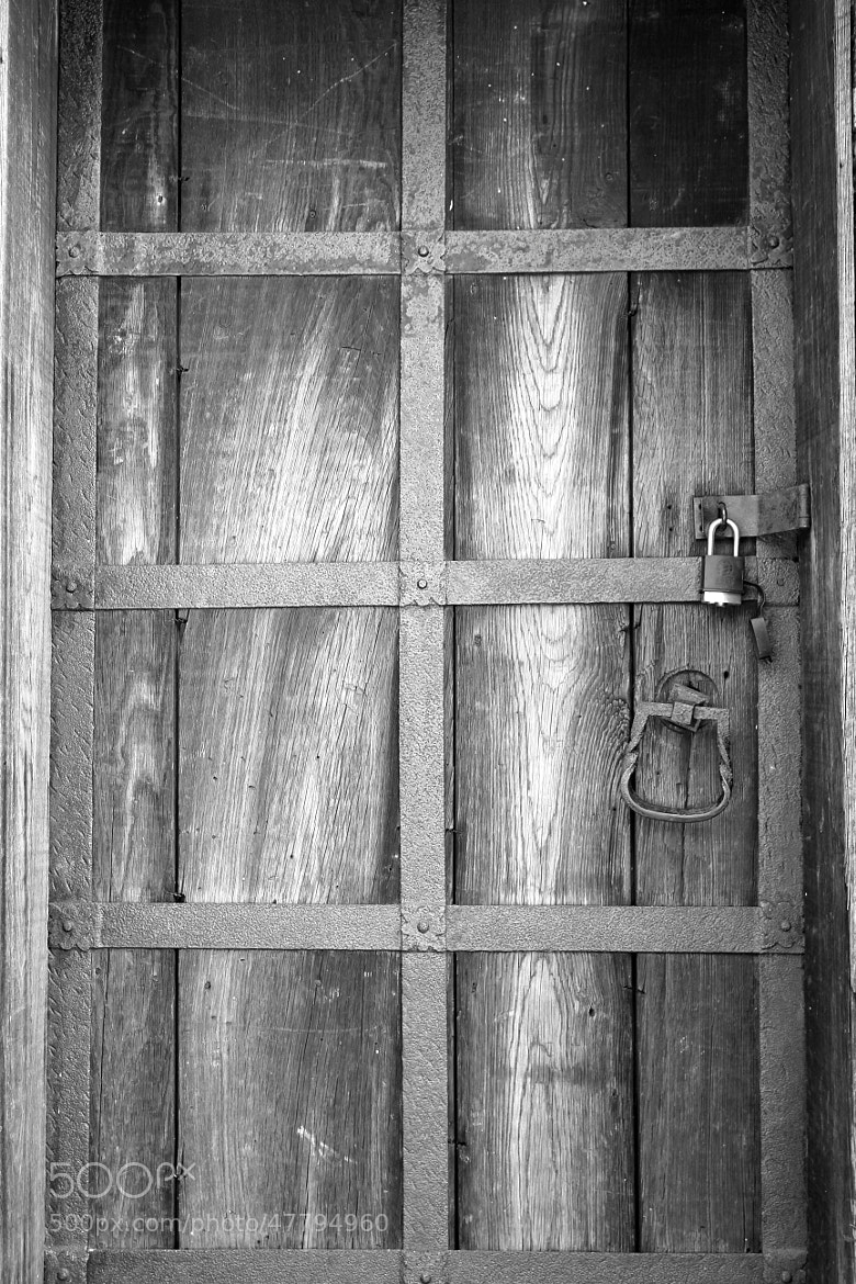 Photograph Old door in B&W by Oscar V Ajanel on 500px