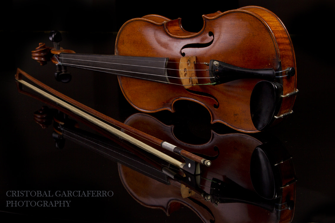 Photograph 20th Century Violin by Cristobal Garciaferro Rubio on 500px