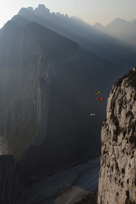 Photograph B.A.S.E jumping in La Huasteca, México. by Marcos Ferro on 500px