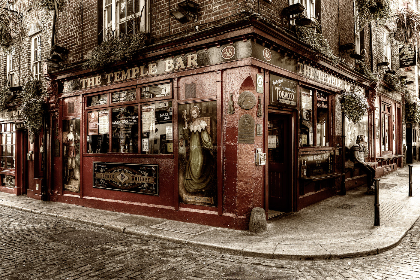 Photograph The Temple Bar by Dominik Staszowski on 500px