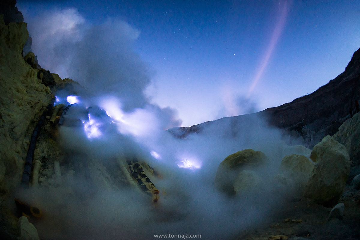 Photograph Blue fire by Tonnaja Anan Charoenkal on 500px