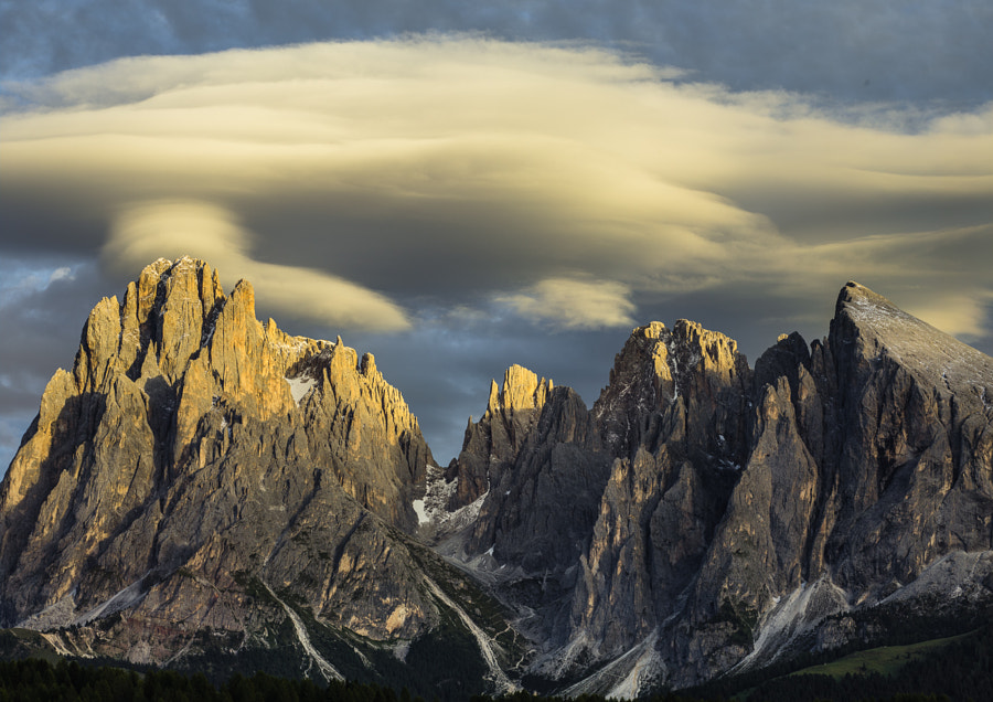 This photo was shot with the Phase One DF+ camera, the IQ160 back and the Schneider Kreuzbach 75-150 f/4-5.6 zoom lens the day before the PODAS September 2013 Dolomites workshop started.