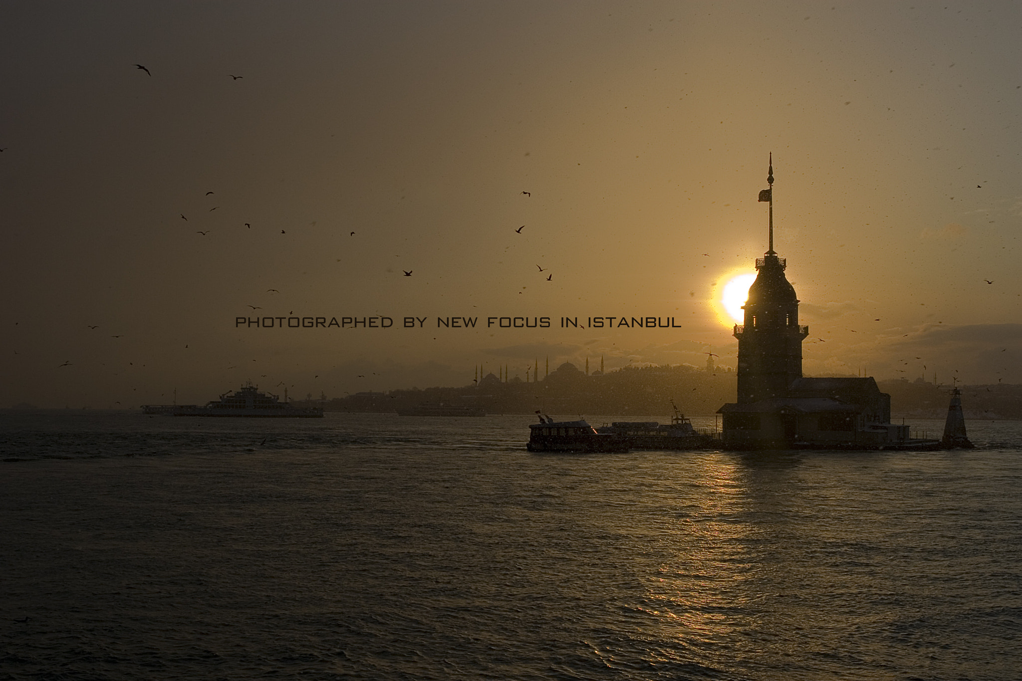 Photograph silhouette of istanbul by Necmi Tüfekçi on 500px