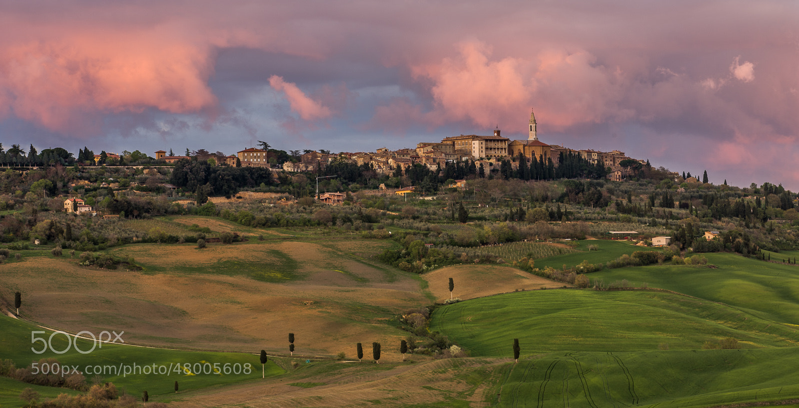 Photograph Pienza in setting sun light by Hans Kruse on 500px