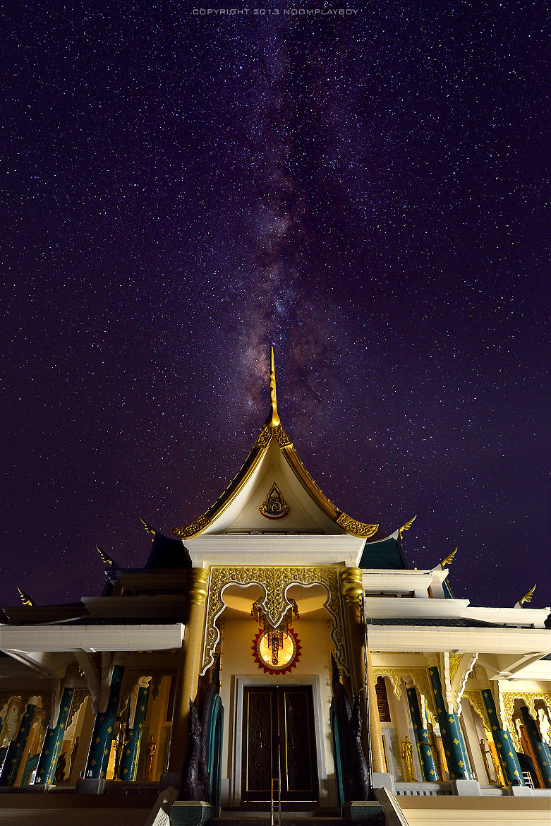 Photograph Milky Way : Wat Pa-Phu-Khon at Udon Thani Province by noomplayboy  on 500px