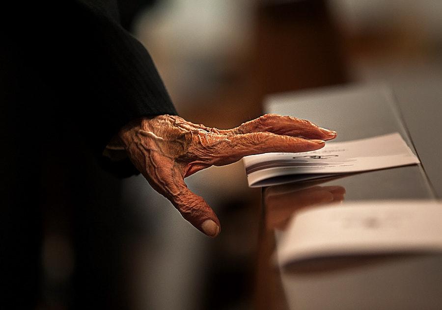 Il vecchio e la mano