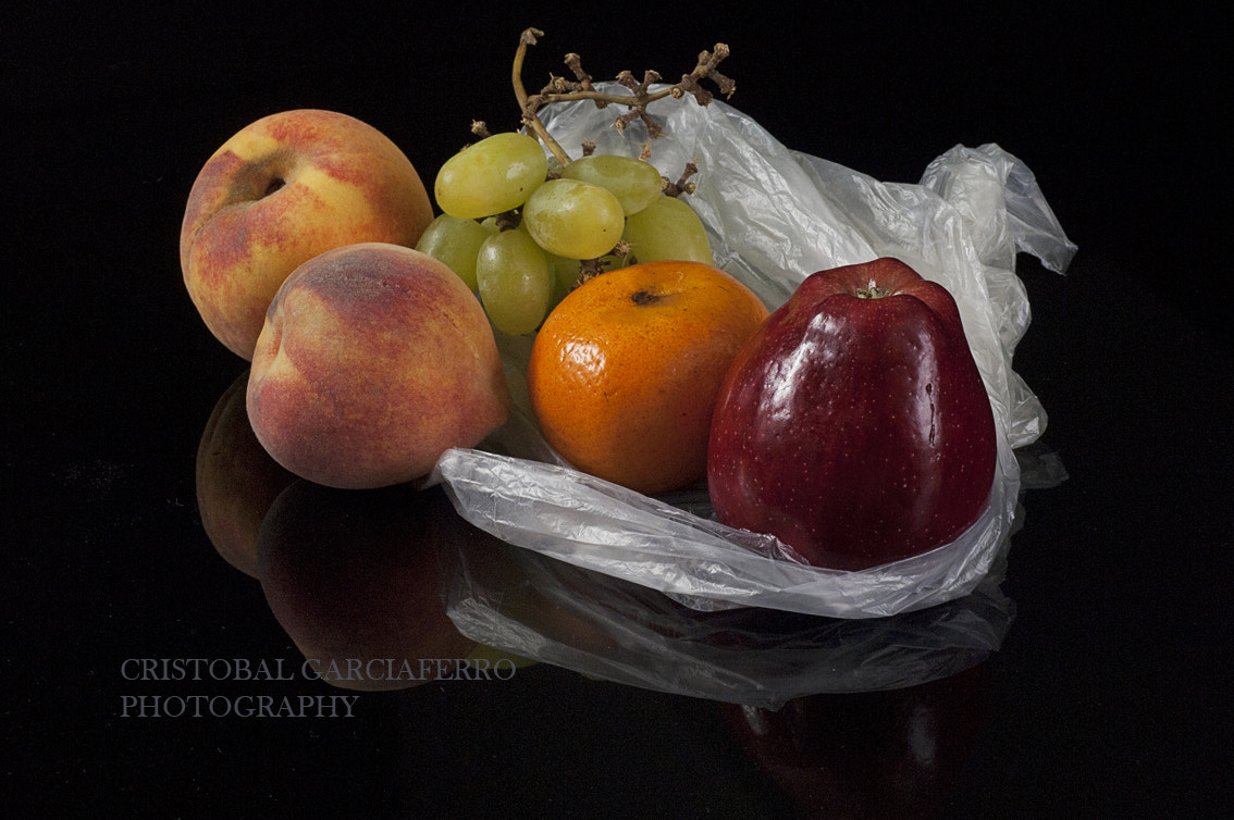 Photograph Fruits with reflection by Cristobal Garciaferro Rubio on 500px