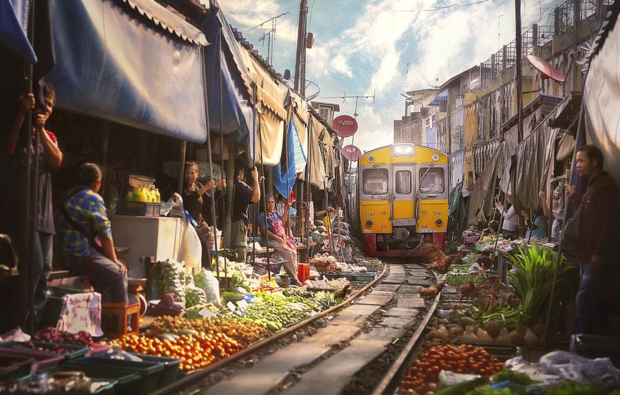 Bangkok Train juicer