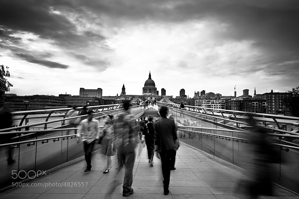 Photograph Movin' by Luca Bonisolli on 500px