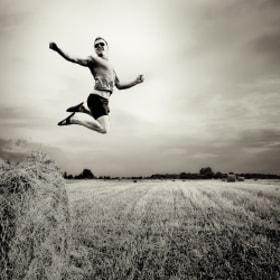 The Jump by Sergei Lysov (mormorio) on 500px.com