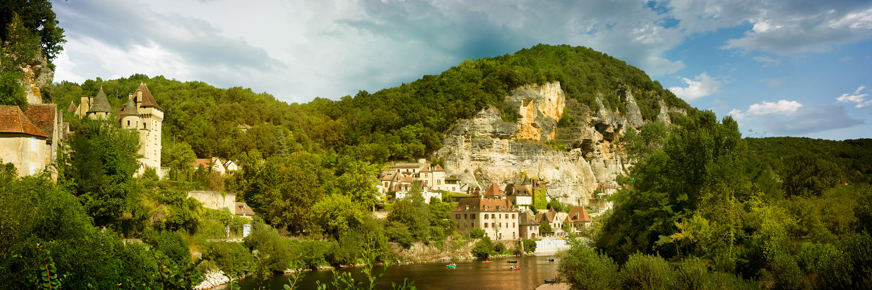 Photograph La Roque-Gageac by PolTergejst  on 500px