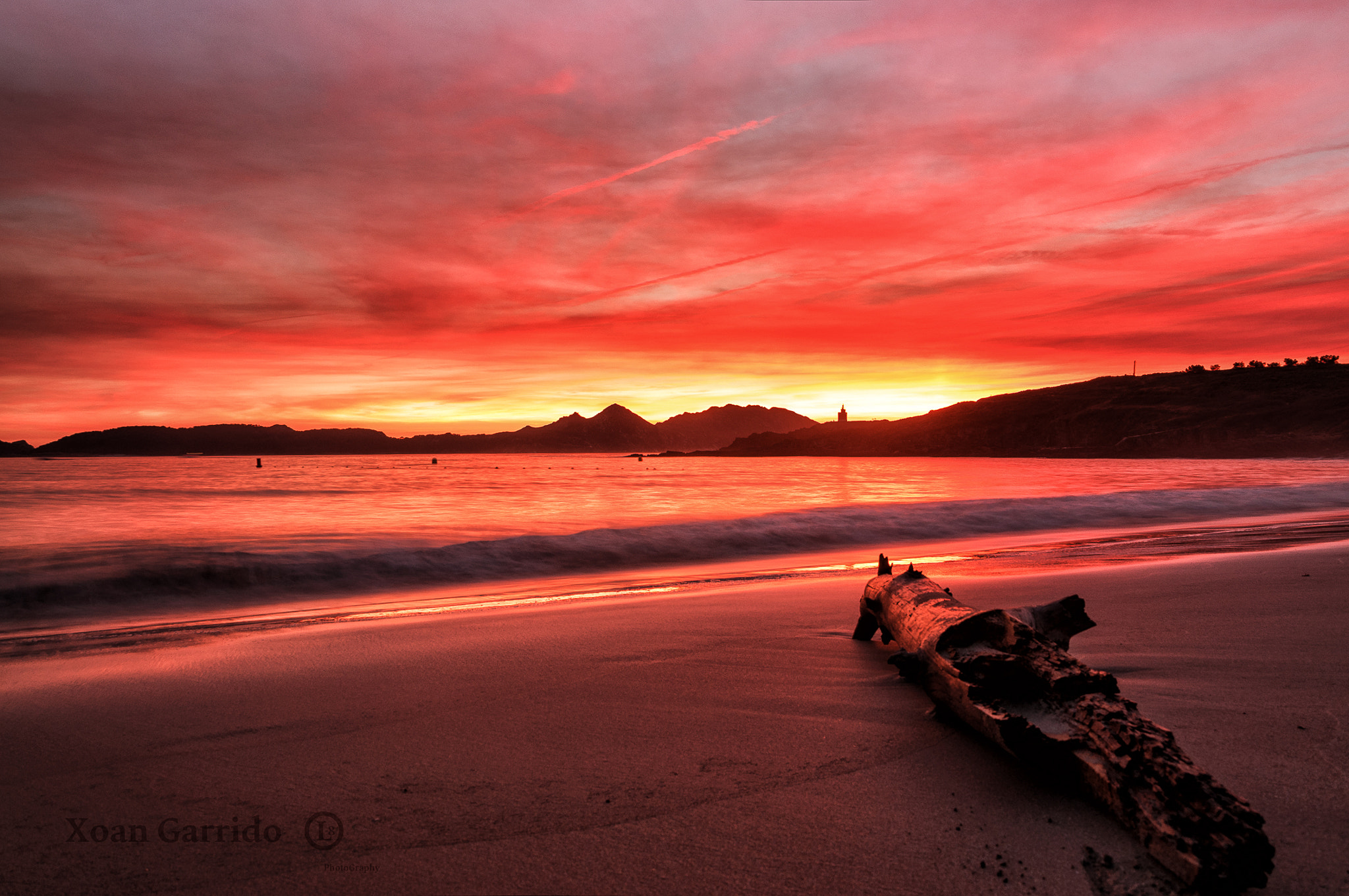 Photograph Rojos en Playa Melide by Xoan C. Garrido on 500px