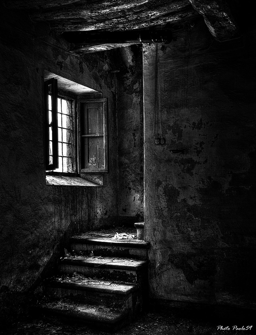 Photograph The window on the stairs by Paolo Motti on 500px
