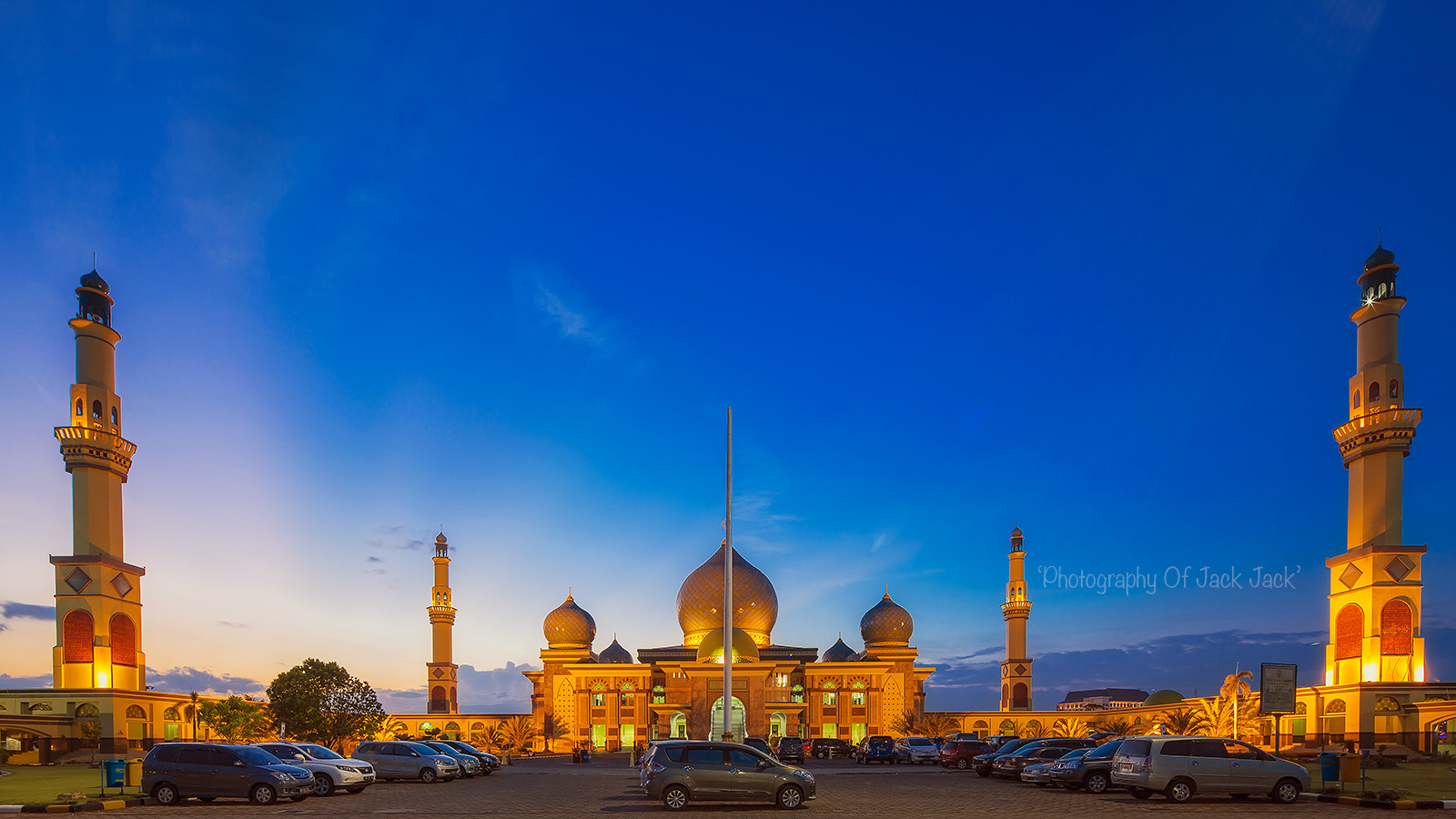 Photograph GRAND MOSQUE AN-NUR by HENDRIK PRIYANTO on 500px