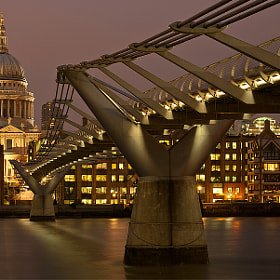 Millennium Bridge by Aubrey Stoll (Night_Gallery)) on 500px.com