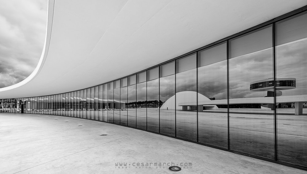 Photograph Reflejos del Niemeyer by Cesar March on 500px