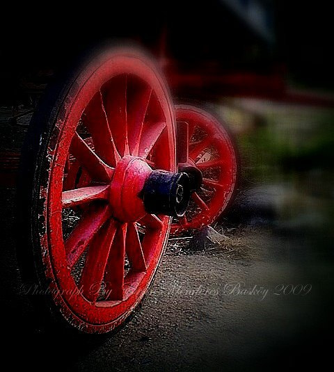 Photograph Red Wheel by ERSİN MENDERES  BAŞKÖY on 500px