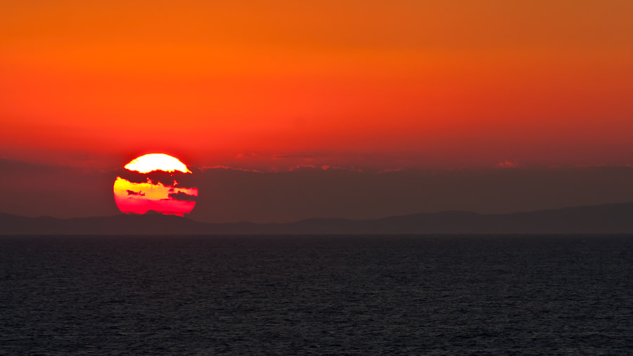 So after a great day in Mykonos we set sail for Turkey but the sun has one last dance to keep us enthralled