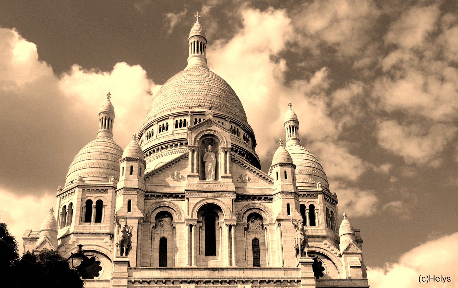 Photograph Basilic Montmartre Sepia by Helys OlgaH on 500px