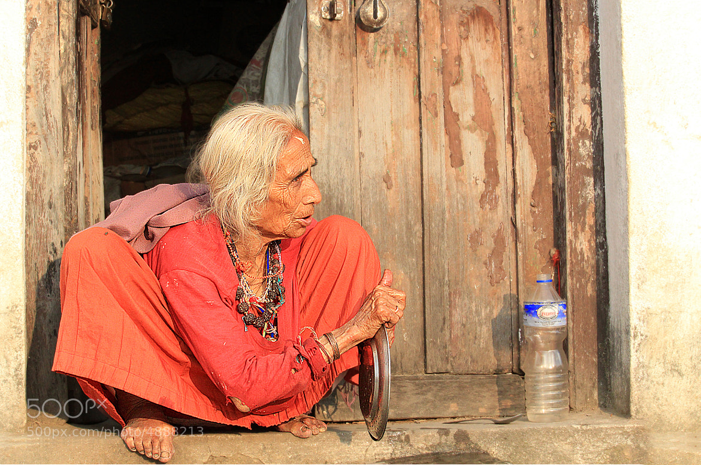 Photograph Стильная бабушка. Мойка посуды.The stylish grandmother. A ware sink by Lyubov Novikova on 500px