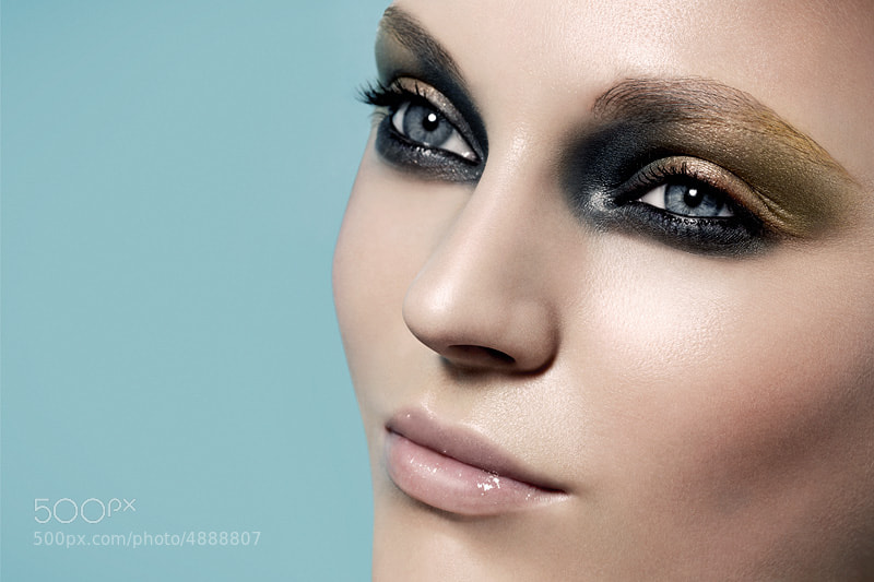 Photograph beauty eyes close closeup model make makeup eyelashes fashion skin hair beauté mode body corps nude  by cyril lagel on 500px