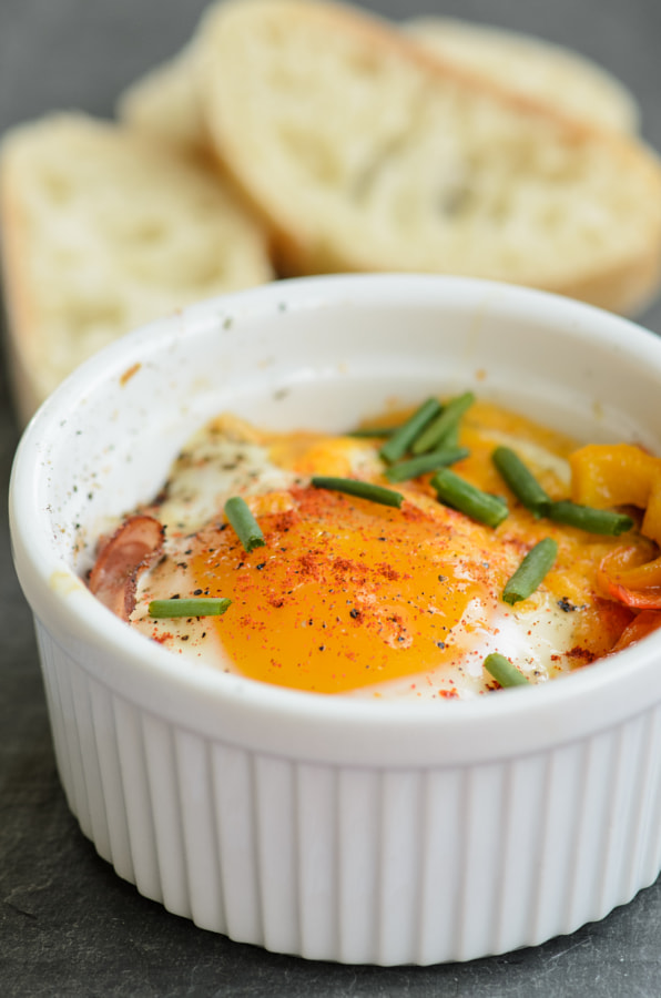 baked egg with ham and peppers