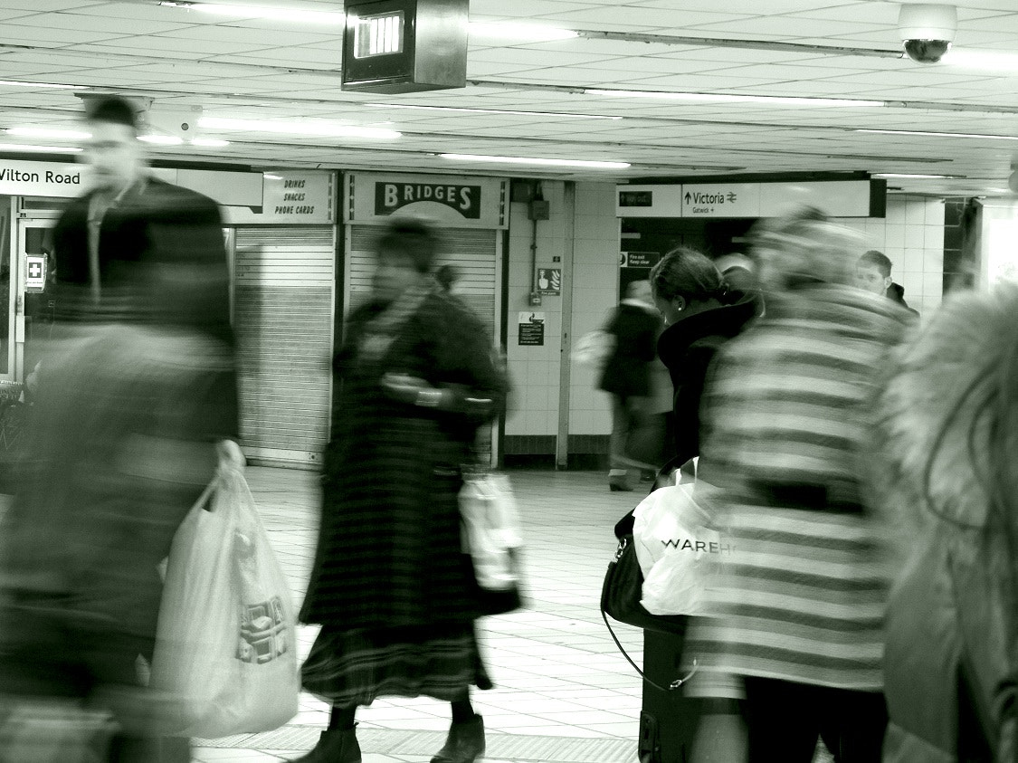 Photograph Woman in the tube by Rocio Lovera on 500px