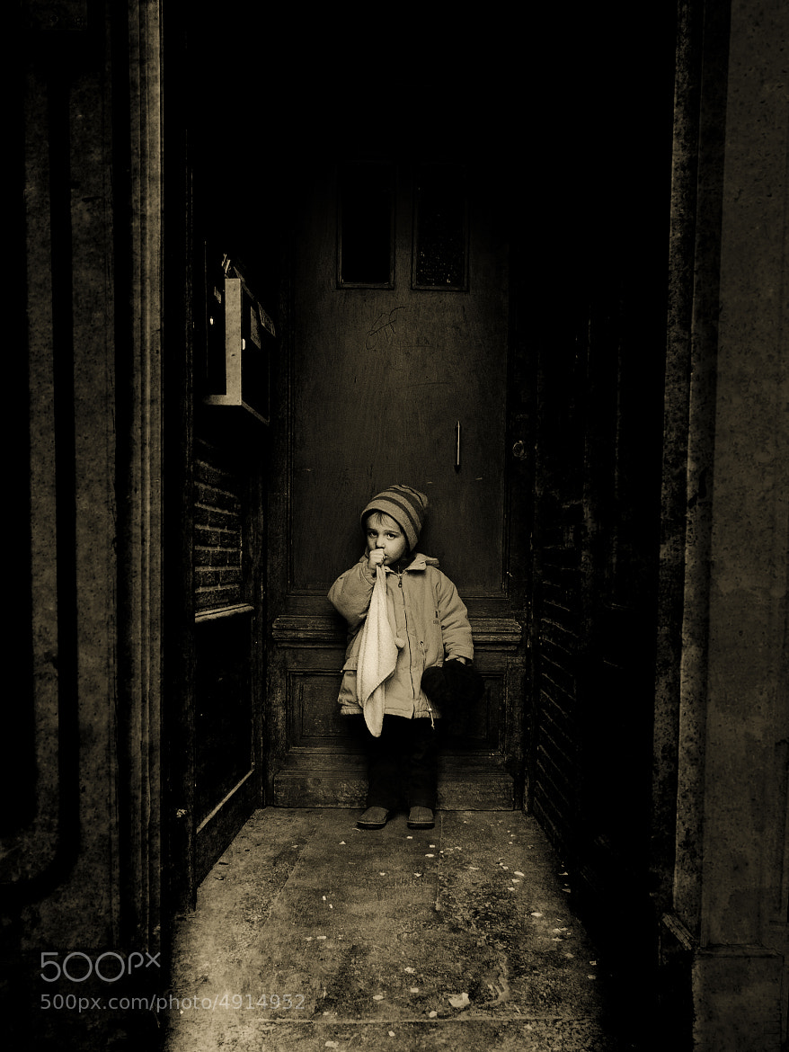 Photograph the child waiting by Jean-Claude Boucher on 500px