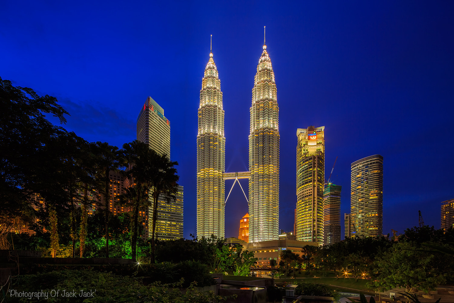 Photograph TWIN TOWER by HENDRIK PRIYANTO on 500px