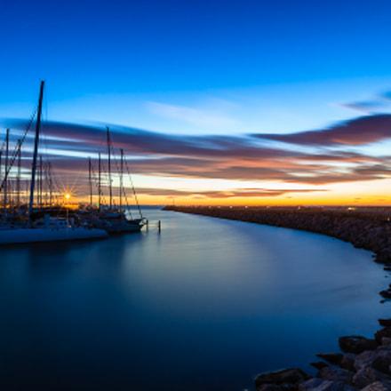 Heure bleue sur le port