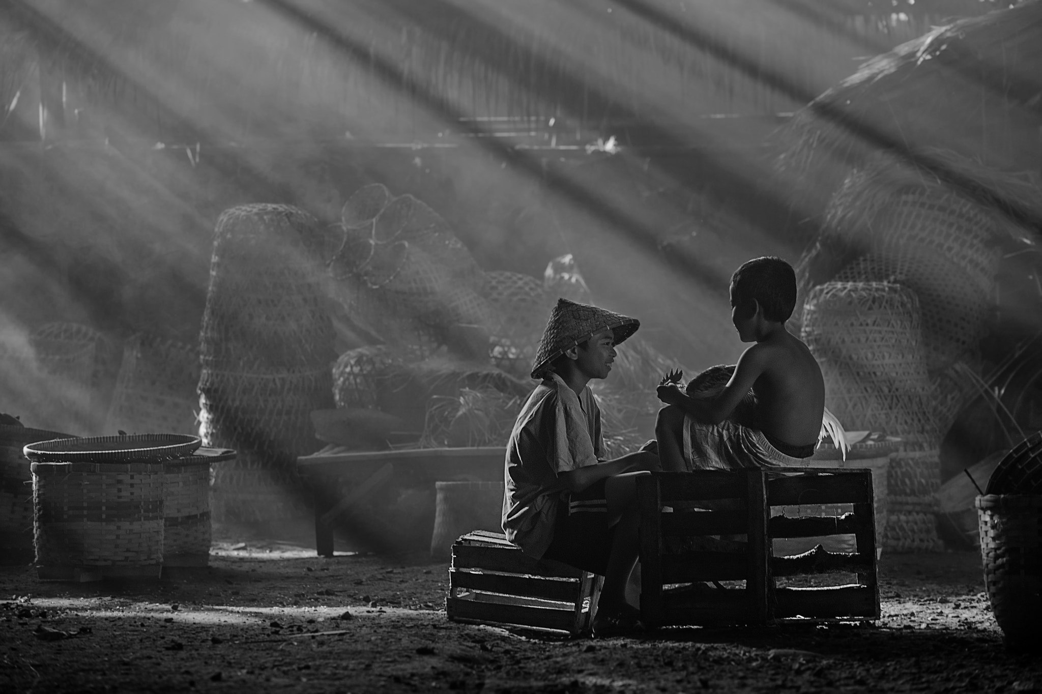Photograph Chatting In Monochrom by Vichaya Pop on 500px