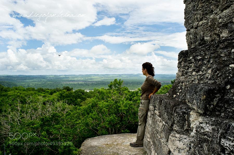 Desde lo alto del templo lo sagrado es la naturaleza by Diego Jambrina on 500px.com