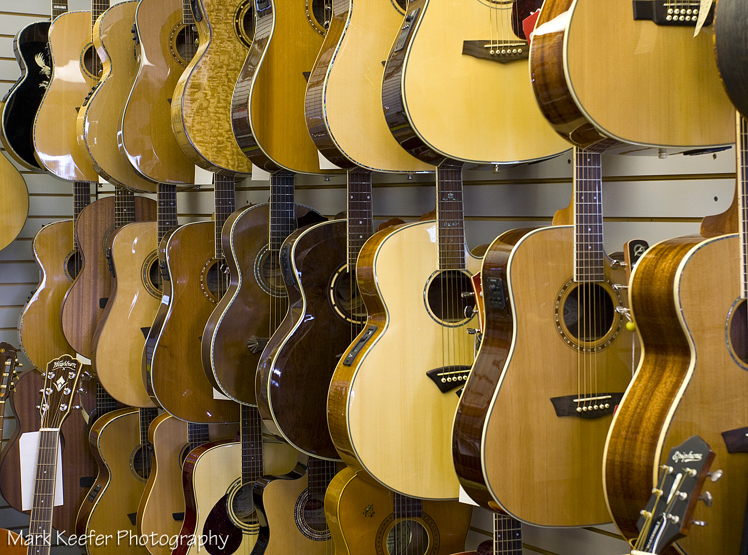 Photograph Guitars by Mark Keefer on 500px