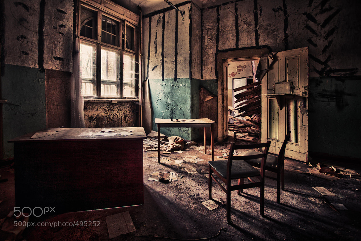 Photograph registry office by Thomas  Müller on 500px