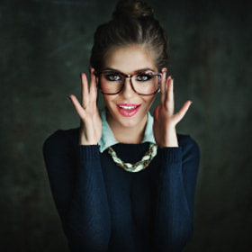 a ring of CFL's to light this geek. :P  Model: Kyra  HMUA: Ashley Dooley