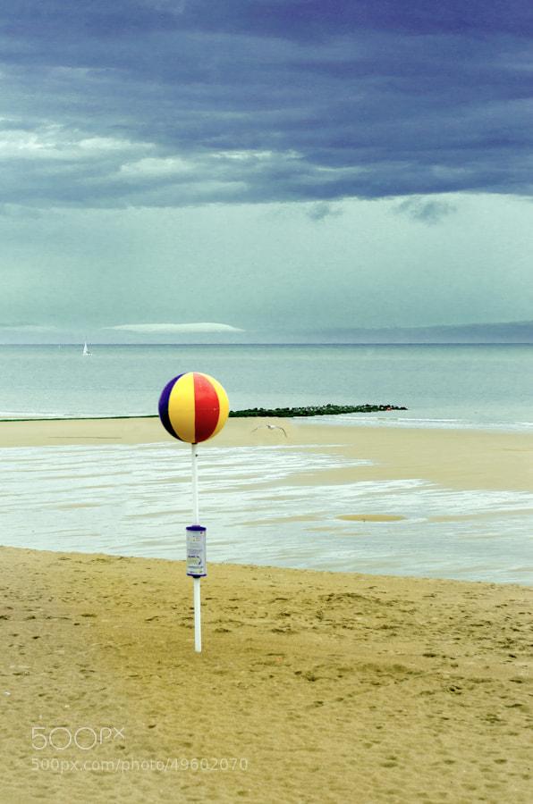 Photograph beach ball by Gunter Werner on 500px