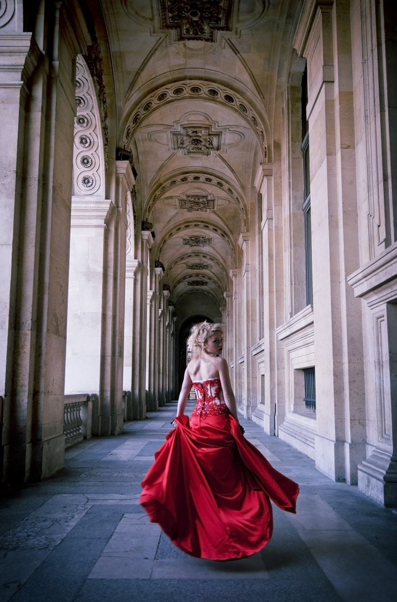 Photograph The Red Siren: Le louvre by Benoit Guass on 500px