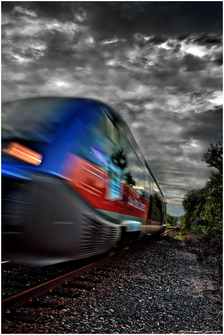 Photograph Le train by Richard Echasseriau on 500px