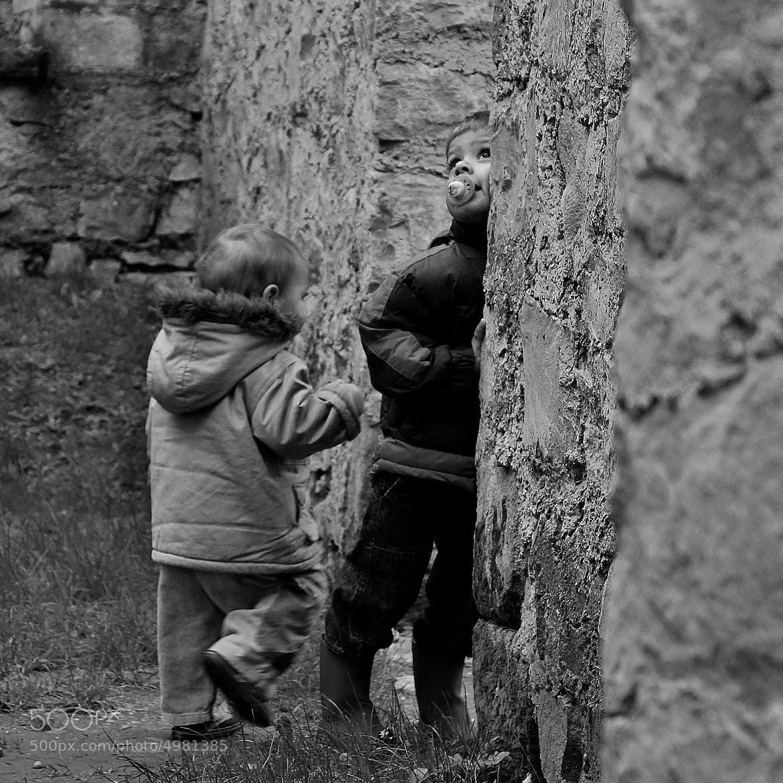 Photograph A la découverte du vieux château by Marie BALLEFIN on 500px