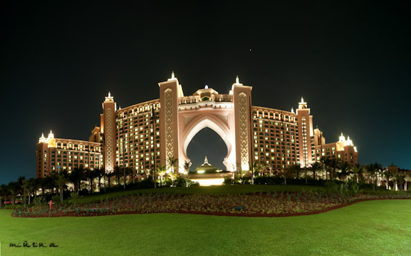 Photograph Panorama of Dubai Atlantis at Night by fizzy wizzy on 500px