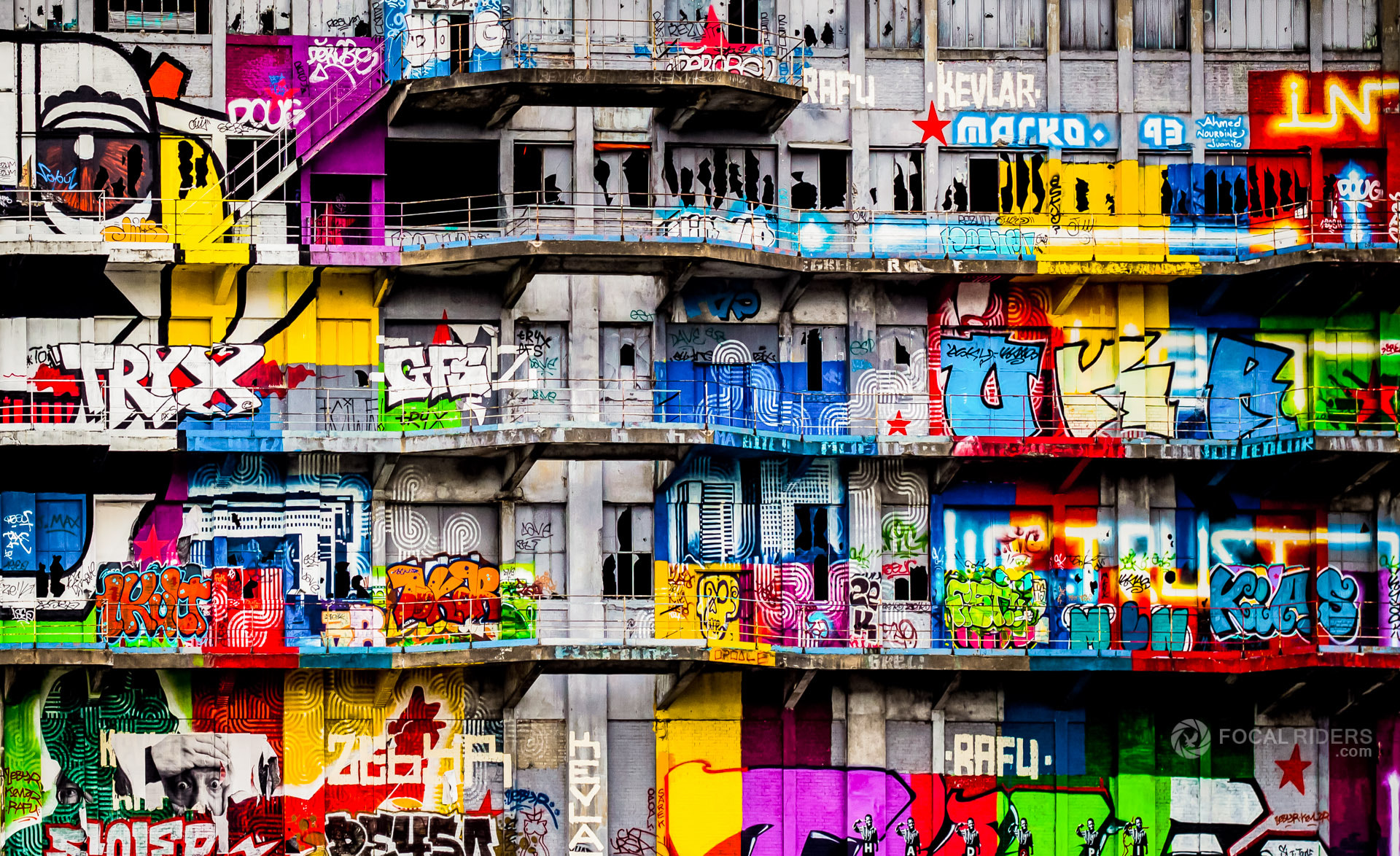 Photograph Colors and the City by Xavier Liard on 500px