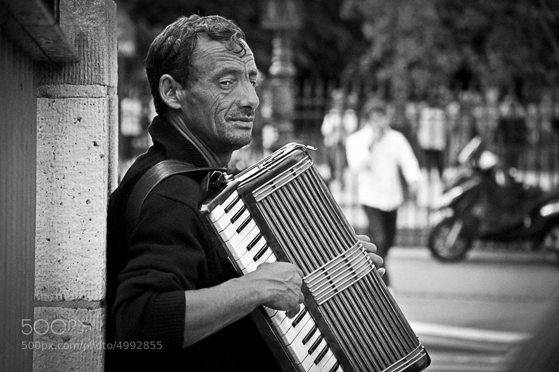 Photograph The accordionist   by VuThéara Kham on 500px