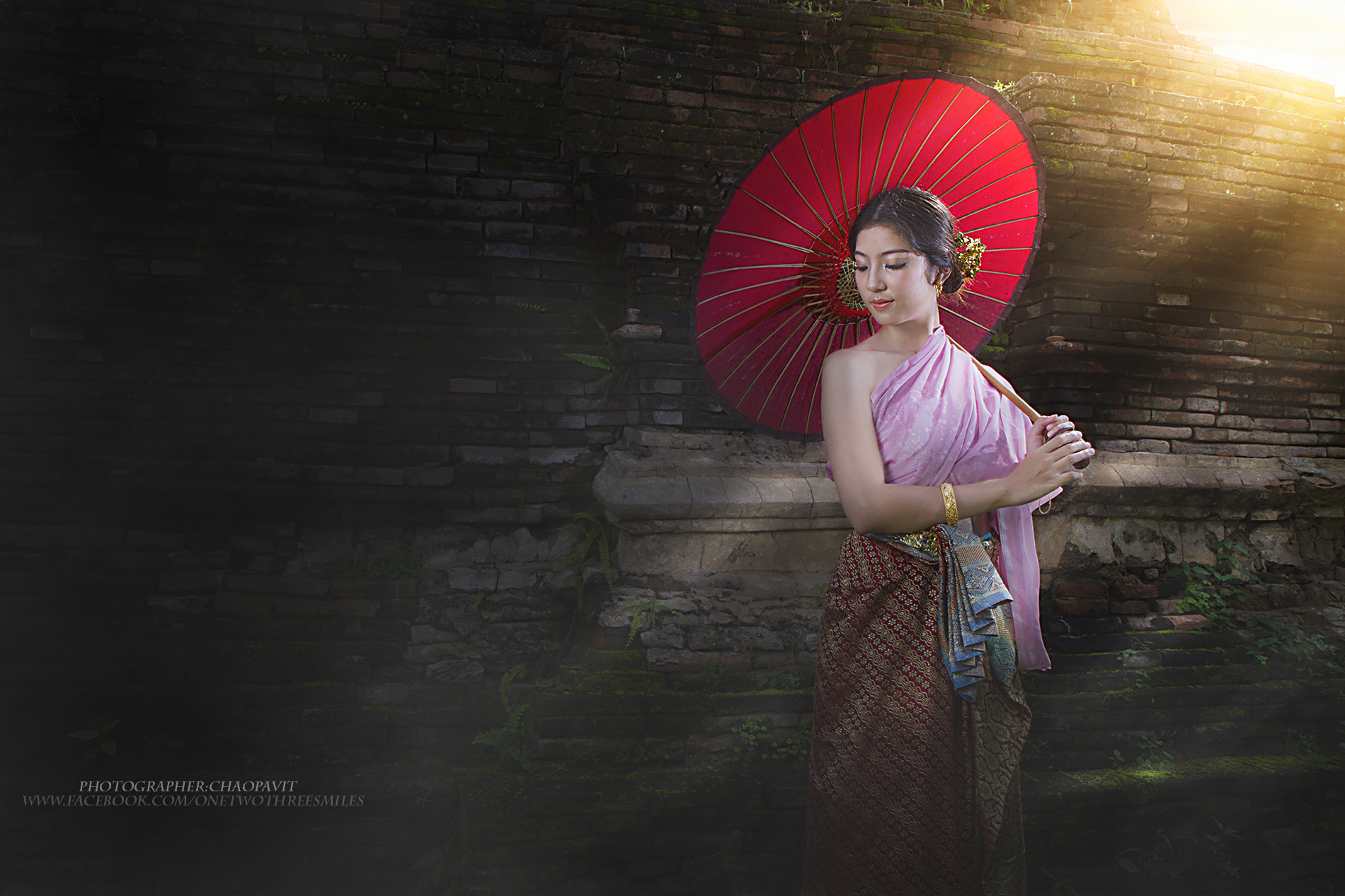 Photograph An elegant Lanna woman by Chao Pavit on 500px