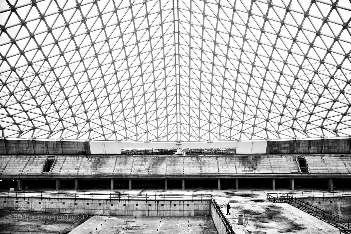 Photograph iron cage by Antonio Torkio on 500px