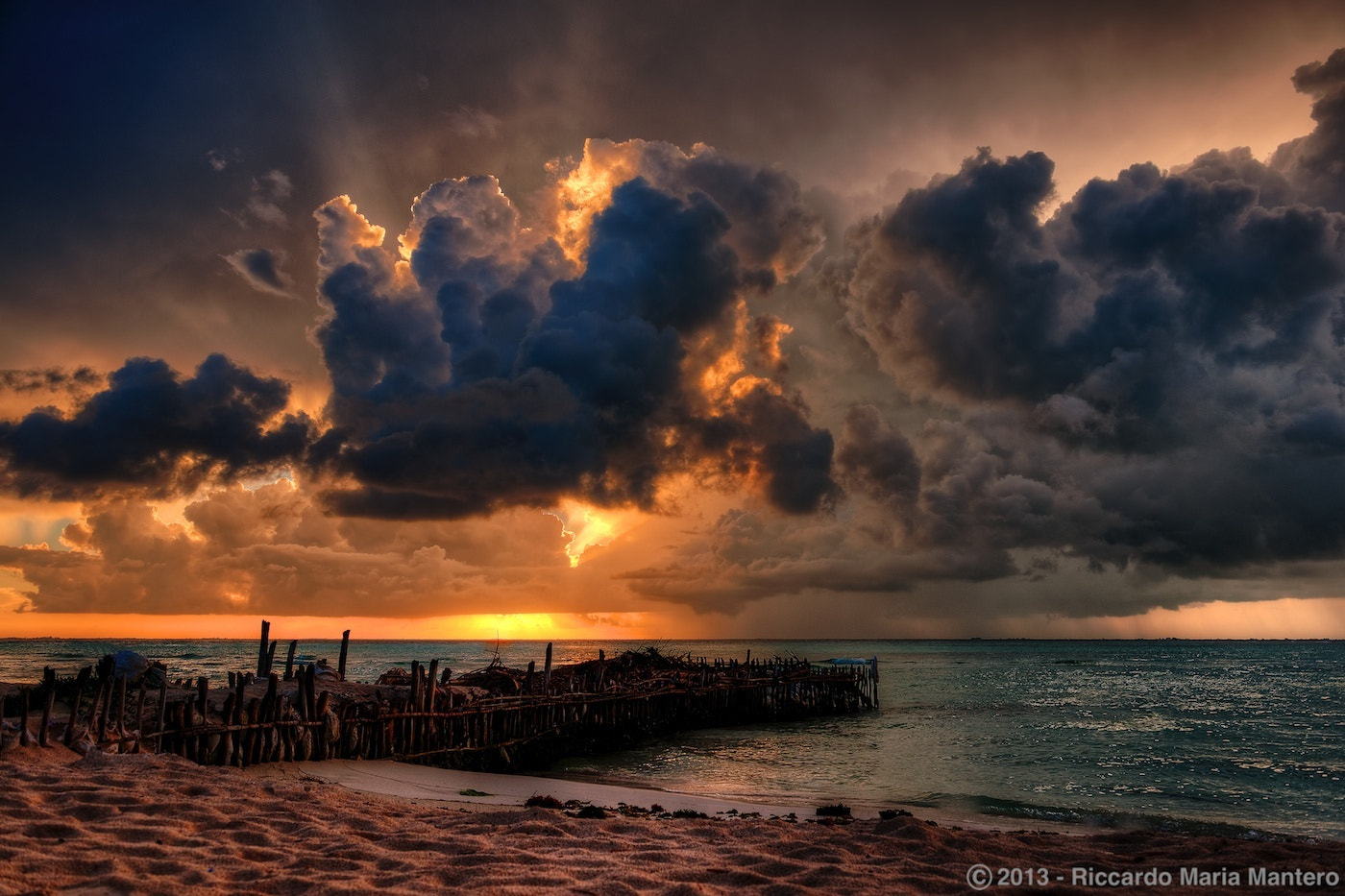 Photograph Last rays of light, Isla... by Riccardo Mantero on 500px
