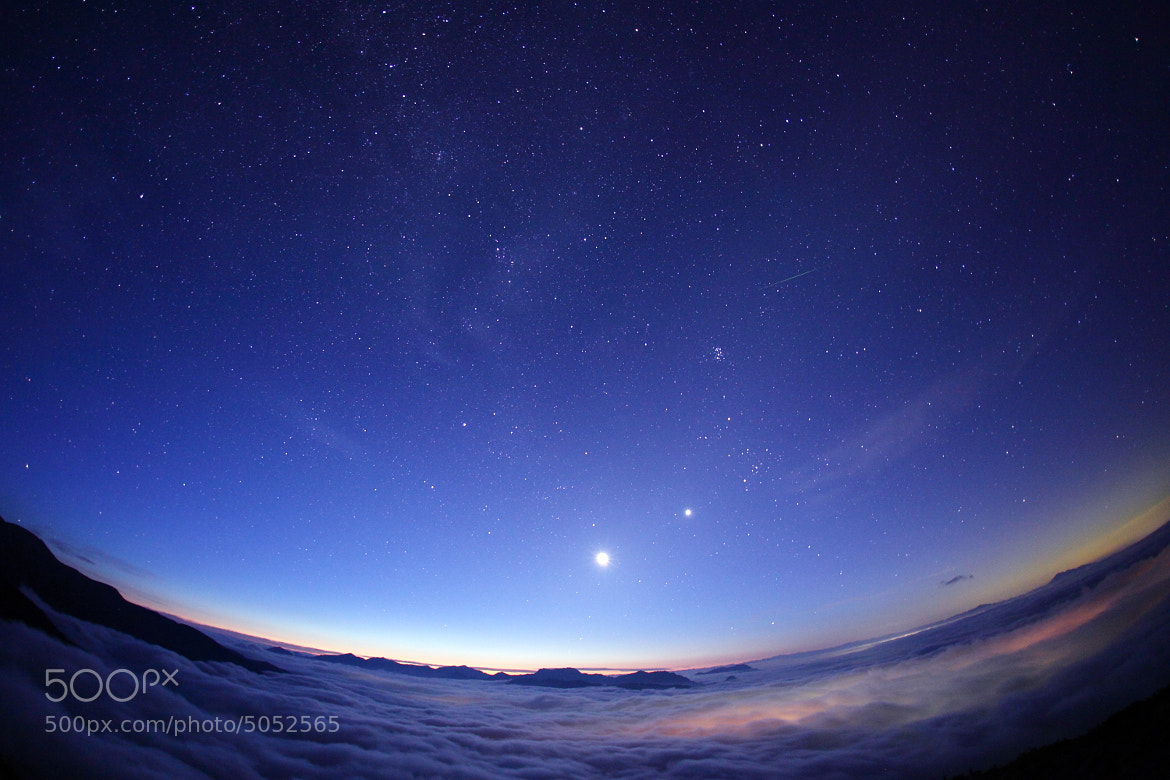 Photograph Star light over the sea clouds by Noriko Tabuchi on 500px
