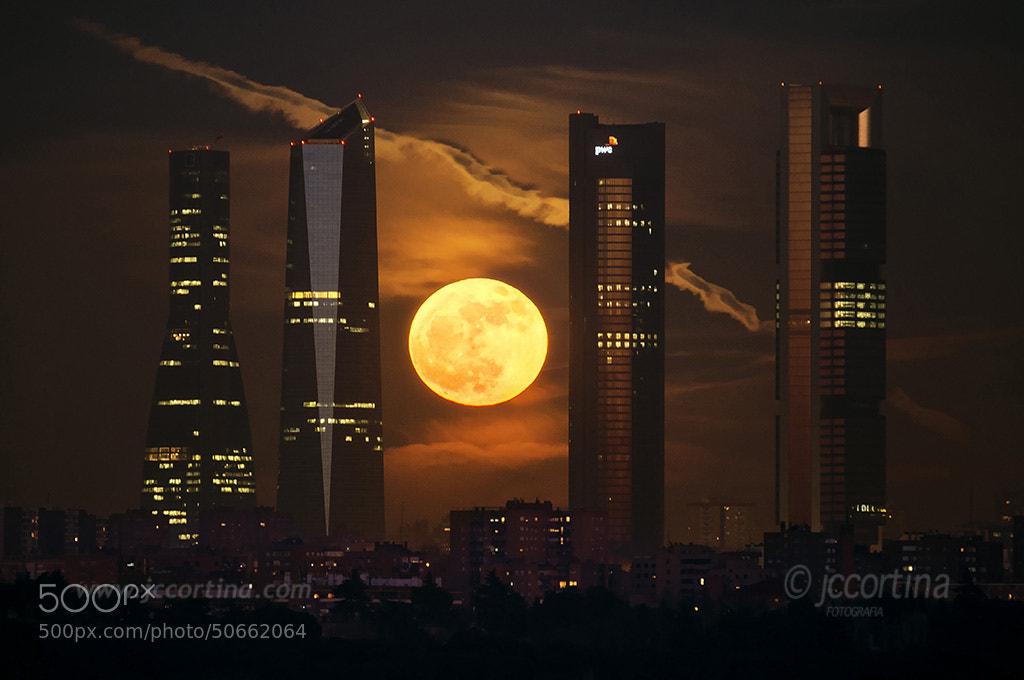 Photograph Ultima luna llena de 2012 by Juan Carlos Cortina  on 500px